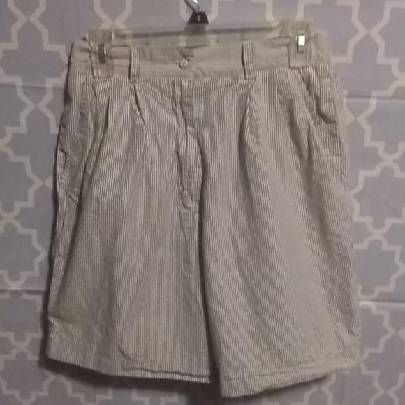 Izod Pants - Women's shorts